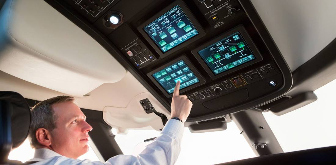 Honeywell Epic-based Symmetry flight deck