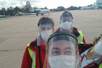 Ground handling crew in PPE